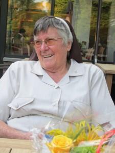 Zuster Redempta is blij dat ze haar medezuster weer ziet